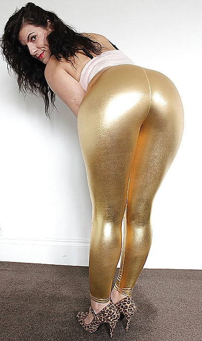 Dildo stretch nude chicks in leggings sexy girls