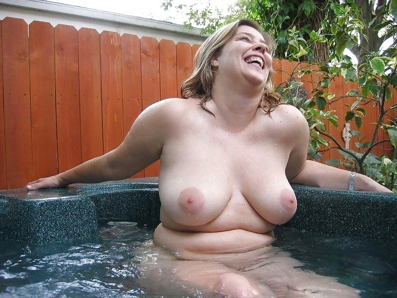 Carla Smoking Hot Blonde Milf Naked In The Hot Tub