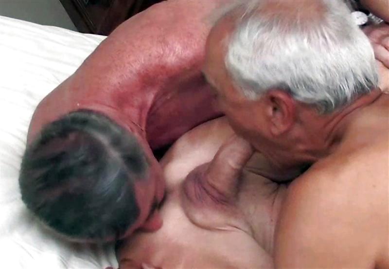 Видео старик с большим членом трахает молодую