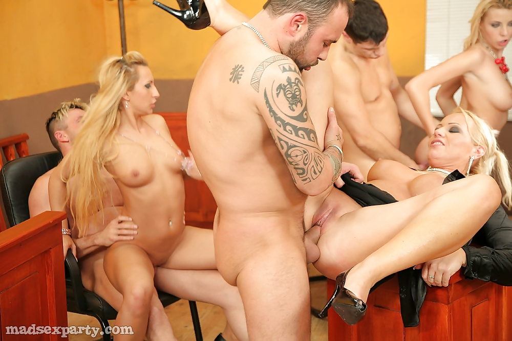 Sex on trial — pic 1