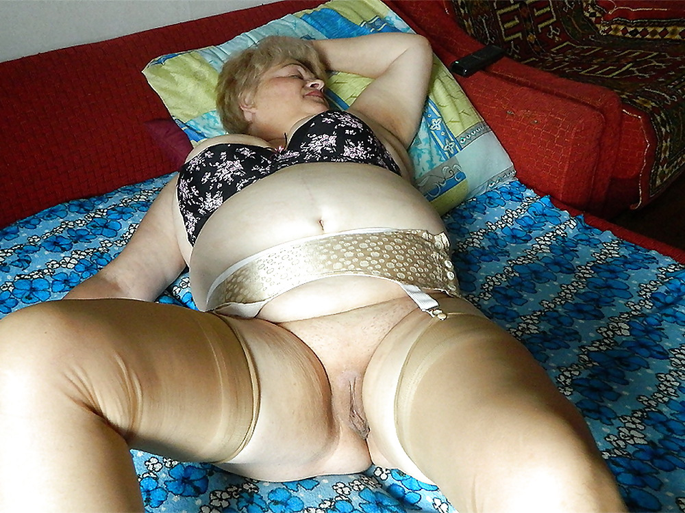 Порно фото мамок в трусиках — pic 11