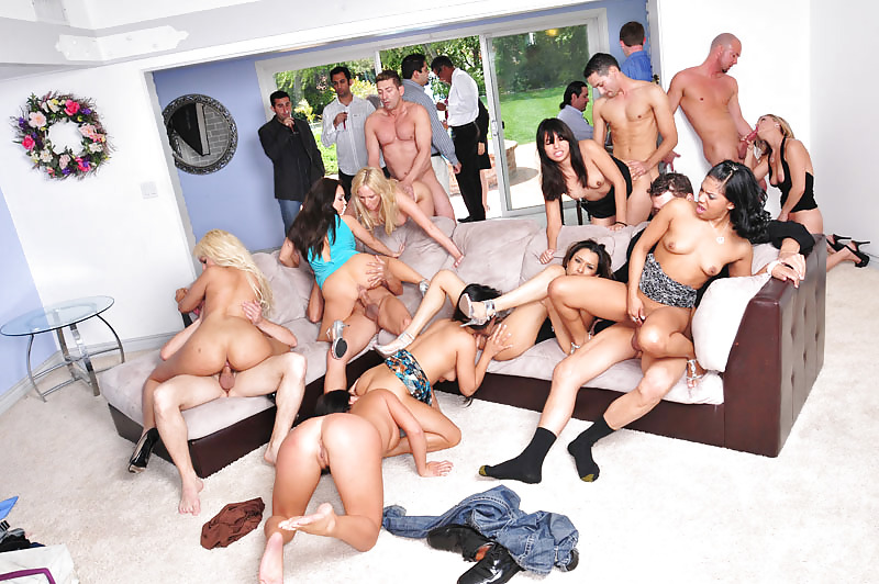 Clan orgy video — photo 3