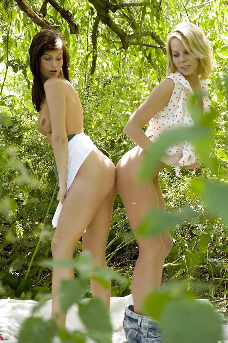 Cute lesbian kissing porn-3270