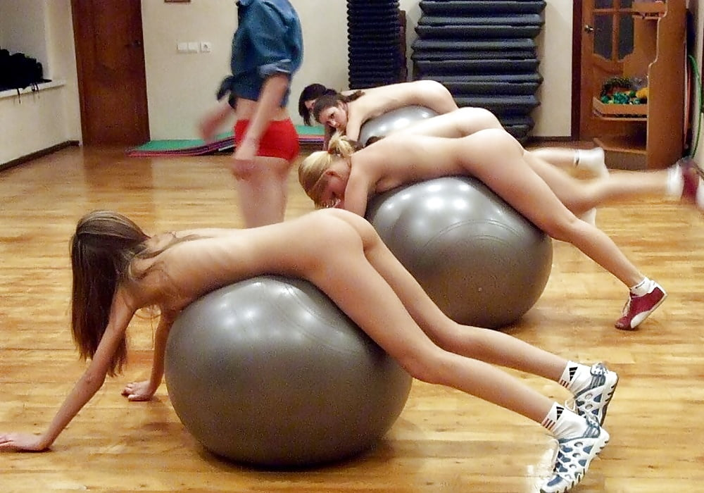 Pretty Amateur Girl Tracy Has Fun With Fitness Ball Pandesia World
