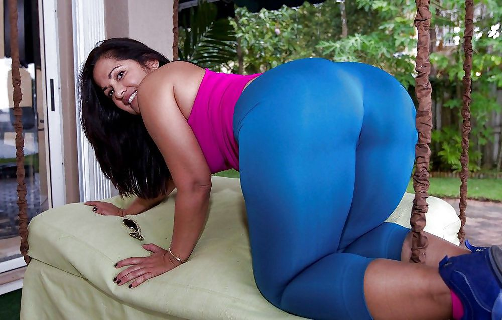 Huge Ass Tiny Waist In Tight Red Spandex Leggings Fiona