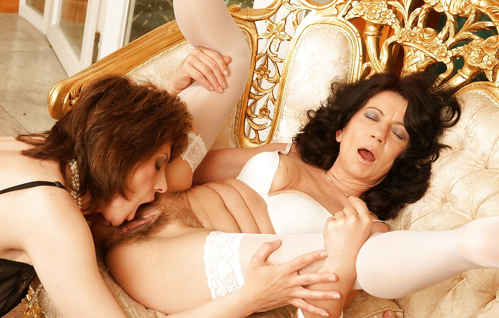 erotika-so-zrelimi-starie-filmi-hhh-kak-nado-trahat-shlyuhu