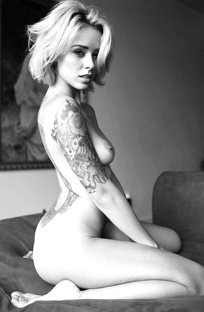 alternative-babe-nude