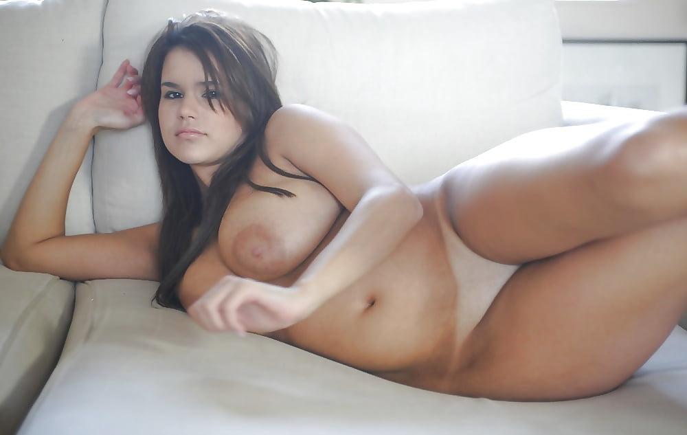 Curvy Sexy Girl Nude