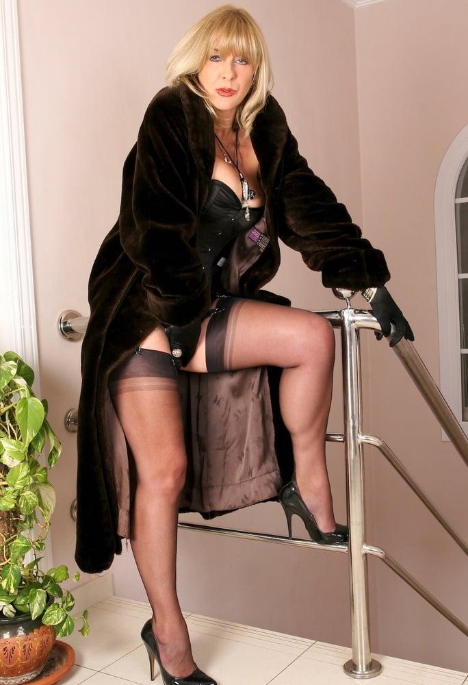 Matura woman woman in fur coat 2 - 97 Pics