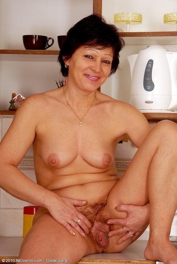 Erotic beautiful women 2 - 330 Pics