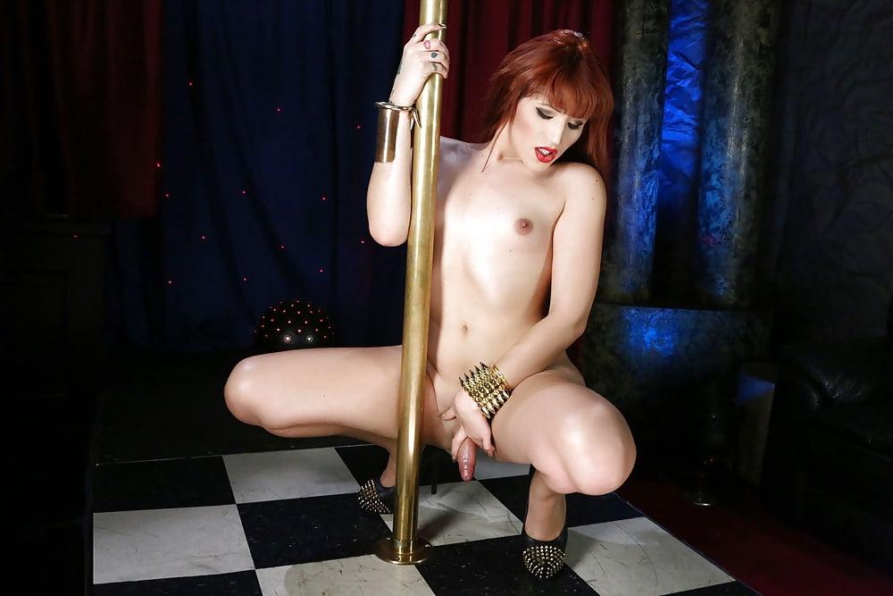 albanians-men-shemale-strip-movie-exhibitionist-erotictures