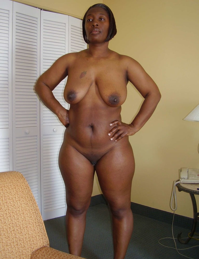 nude-older-black-women