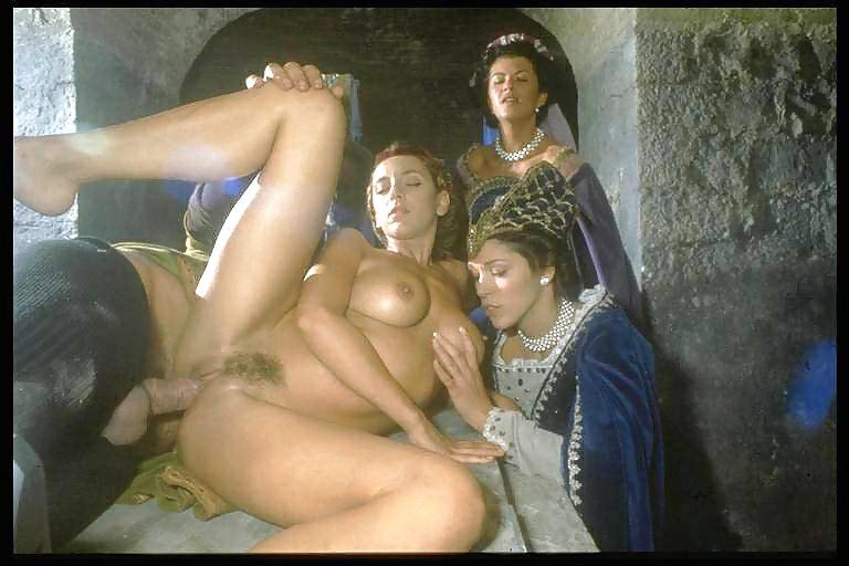 Селена италия порно, вся пизда мокрая