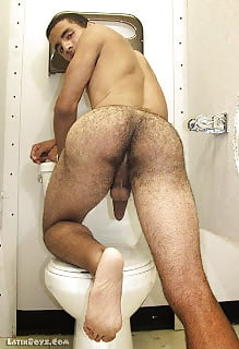 Many cum in her ass