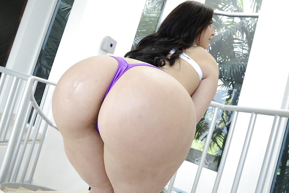 Ass big luna round tit