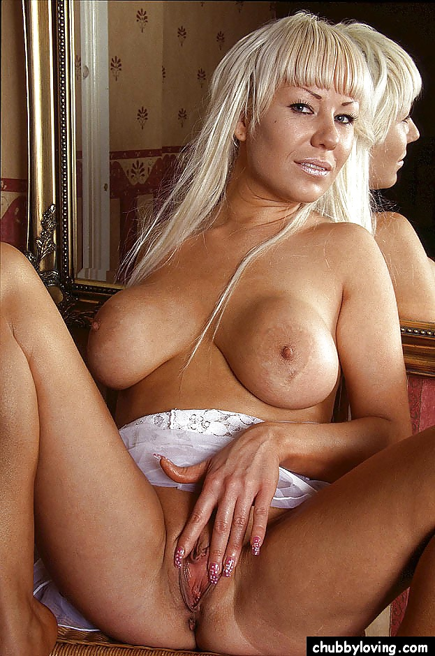 juicy-naked-cougars-supergirl-has-sex-nude-video