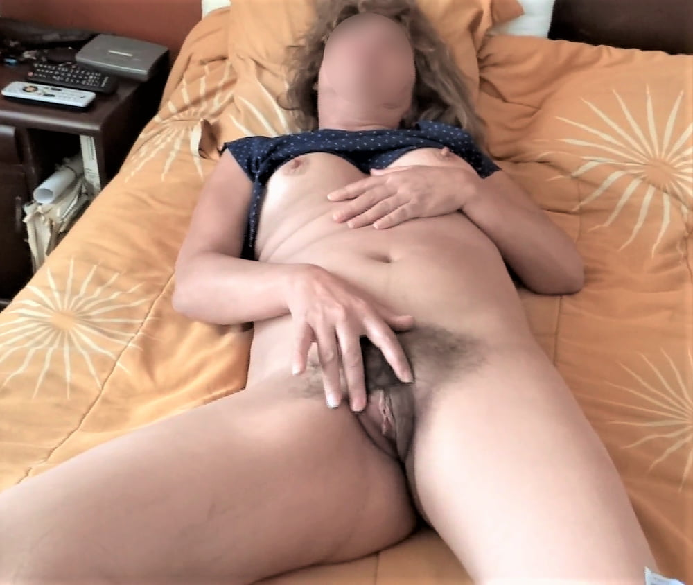HAIRY PUSSY, EXHIBITIONIST, EROTICA, MATURE WIFE - 50 Pics
