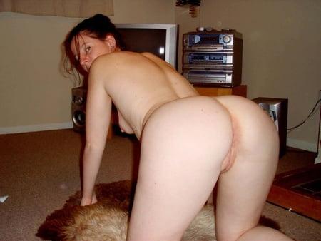 Naked mature brunette women