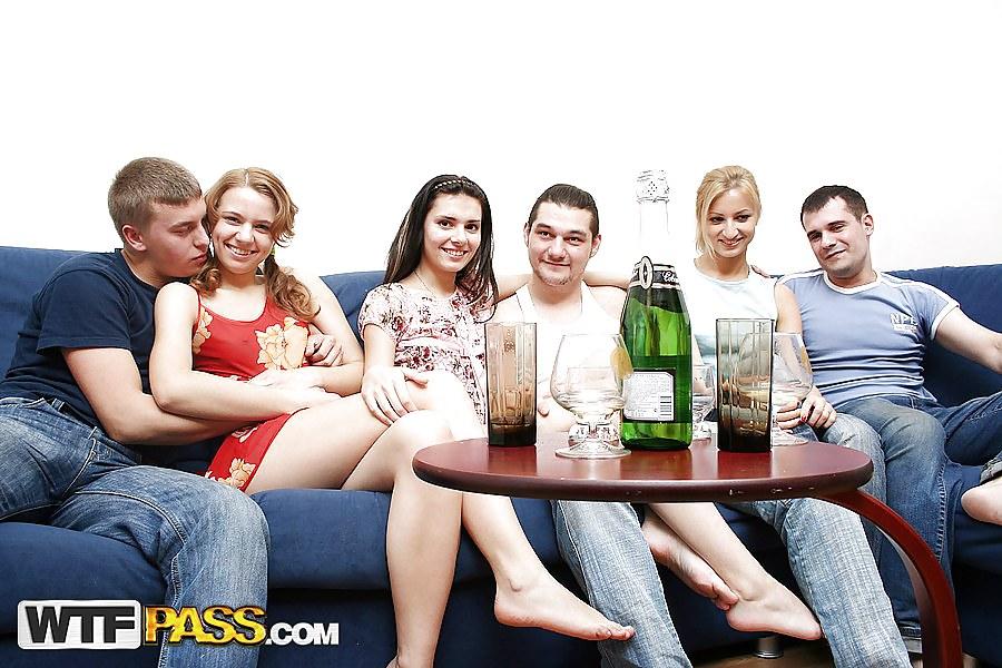 Русские пьяные студенты, конча в рот групповуха ролики онлайн