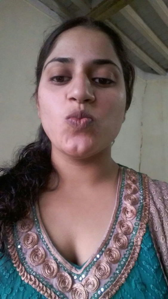 Mahie Gill naked Punjabi film full nude photos 23