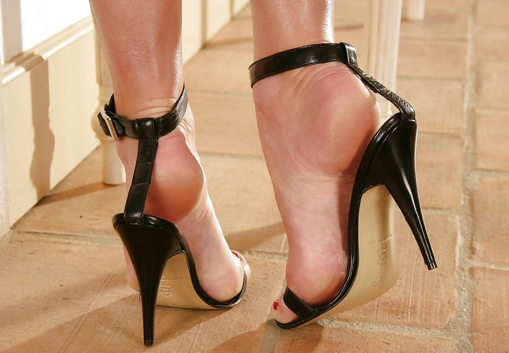 High heel fetish shoes hit bg