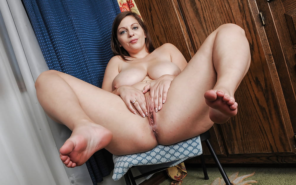Ingrid With Plump Pussy
