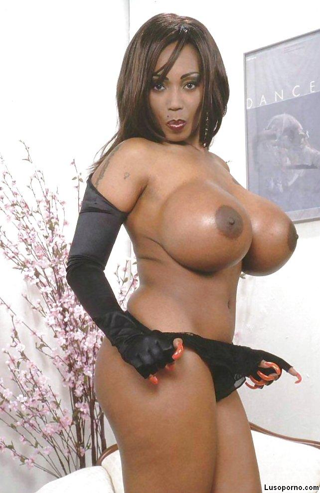 Vid ebony fake boobs naked clitoris picture