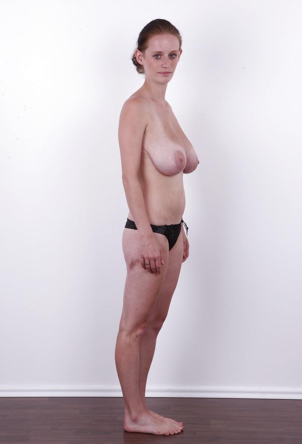 ног женщина кастинг с висячими сиськами скрывают практически только