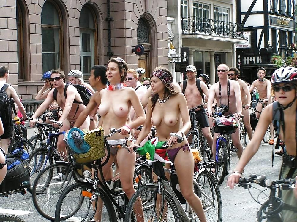 Голые девушки амстердама, порно вишня секс фото