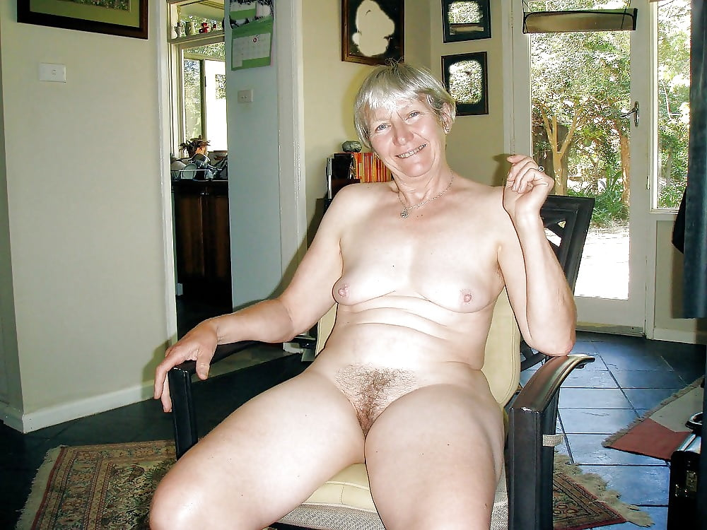 Plain nude old lady pussy