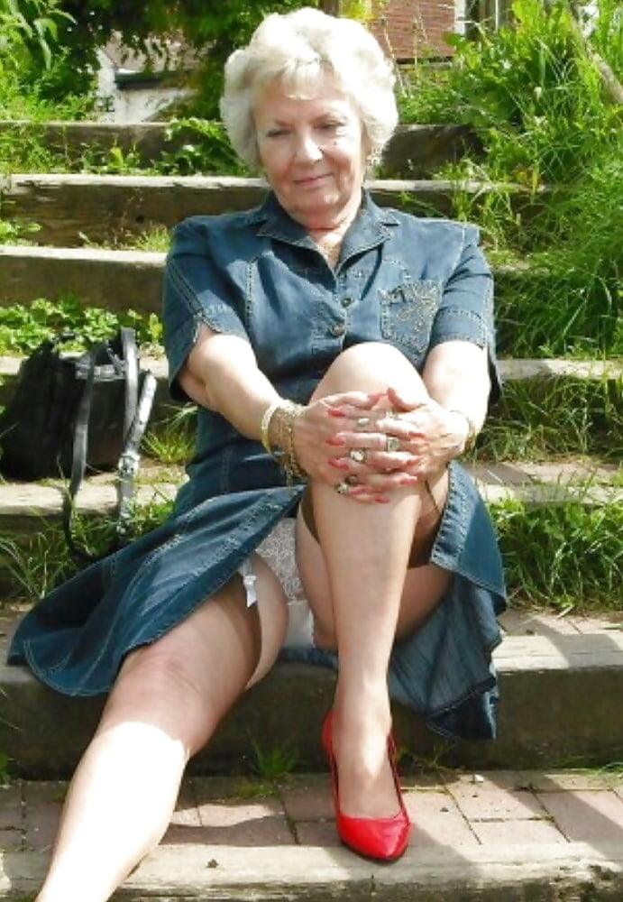 Women Beware Old Pervert Seen Committing Upskirt On Public Train
