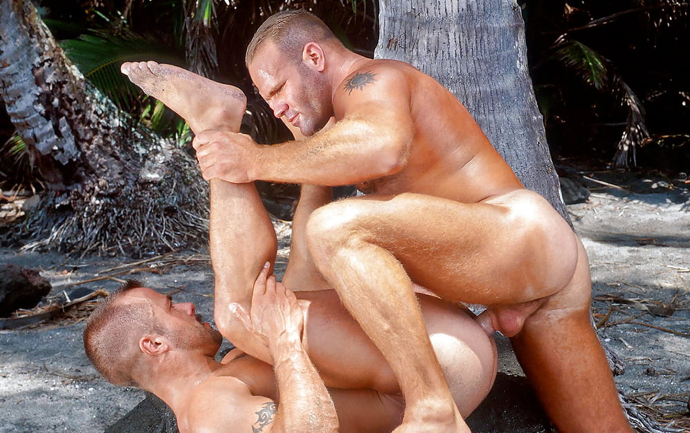 Big bear threesome gay porn behind get caught