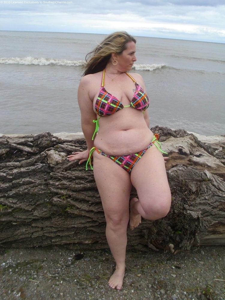 Оргии толстые зрелые в купальниках фото смотреть порно кончил