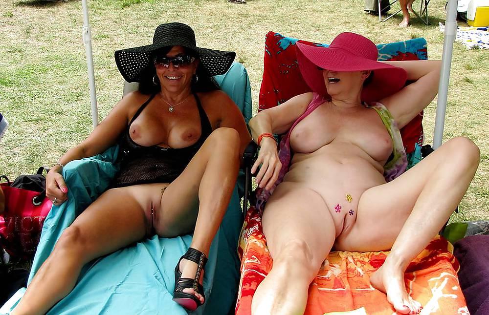 смотреть видео зрелая женщина секс на пляже онлайн