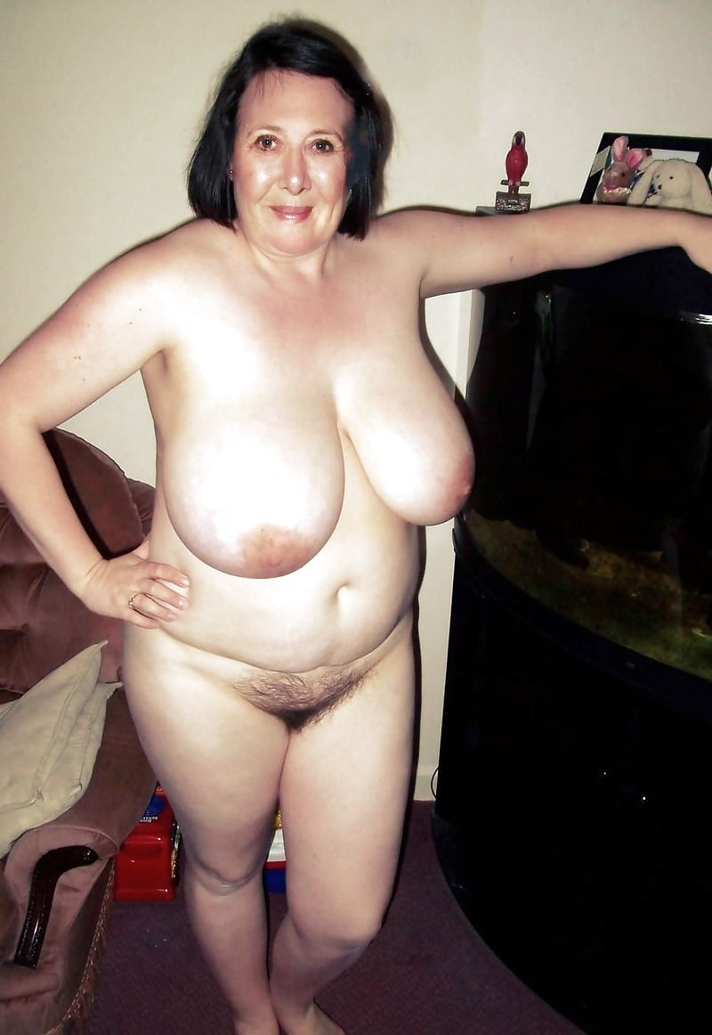 Grandma big tits pics — photo 11