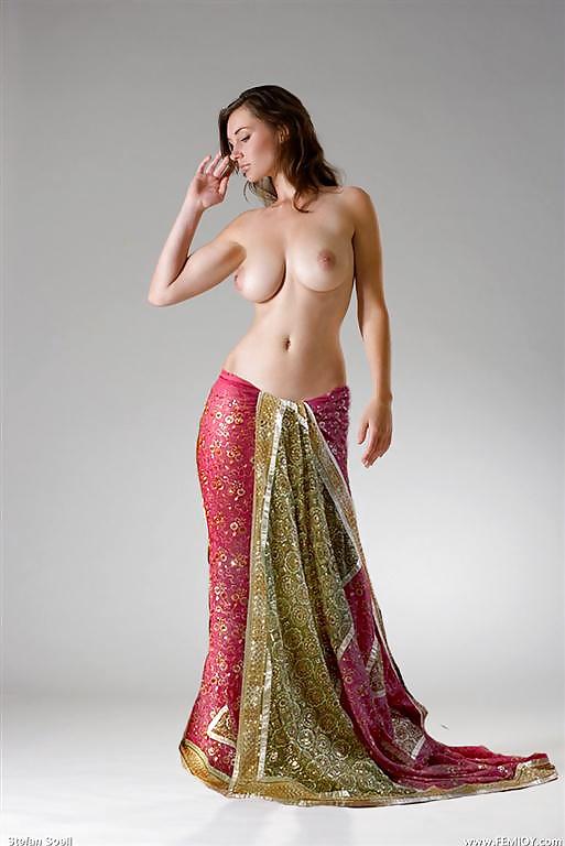 Naked saree pics murphy eye balvubjc