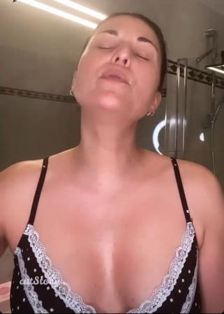 Nackt vanessa fakes blumhagen Vanessa Blumhagen