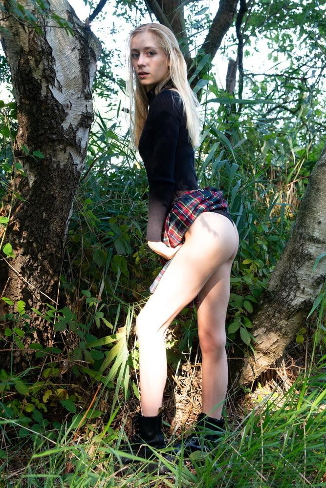 Julia - forest fairy - 45 Pics