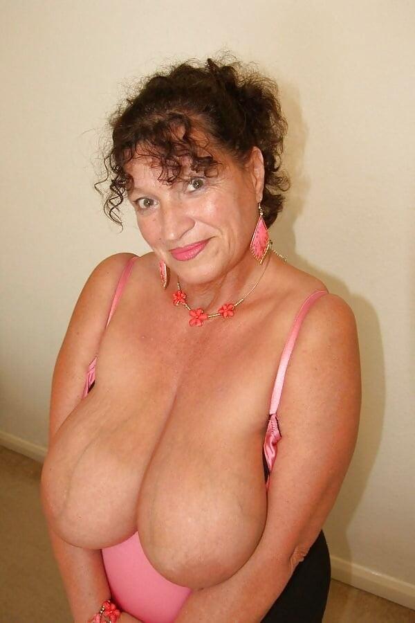 Busty granny hd