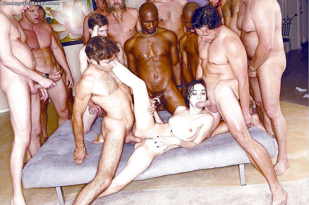 десять мужиков трахают женщину по очереди поднялся ушел комнату