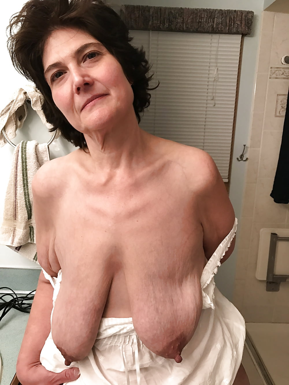 Old Mature Granny With Saggy Tits