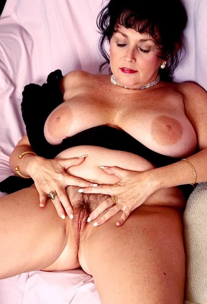 Hot sexy mature bear 6