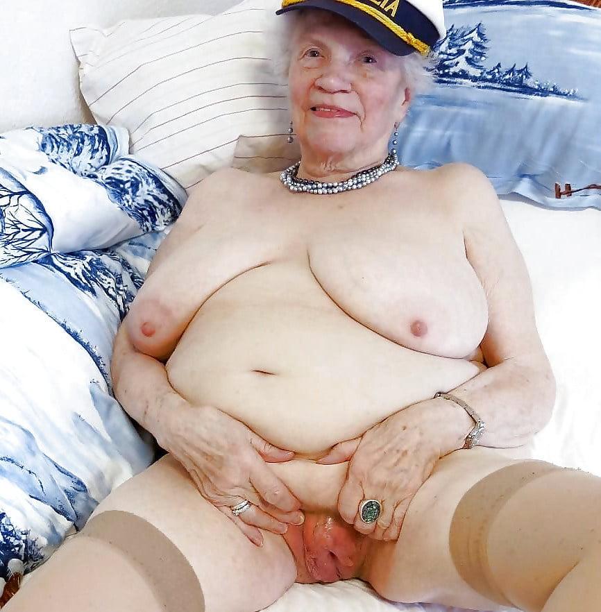 Pflegerin Oma Geile Wichsen