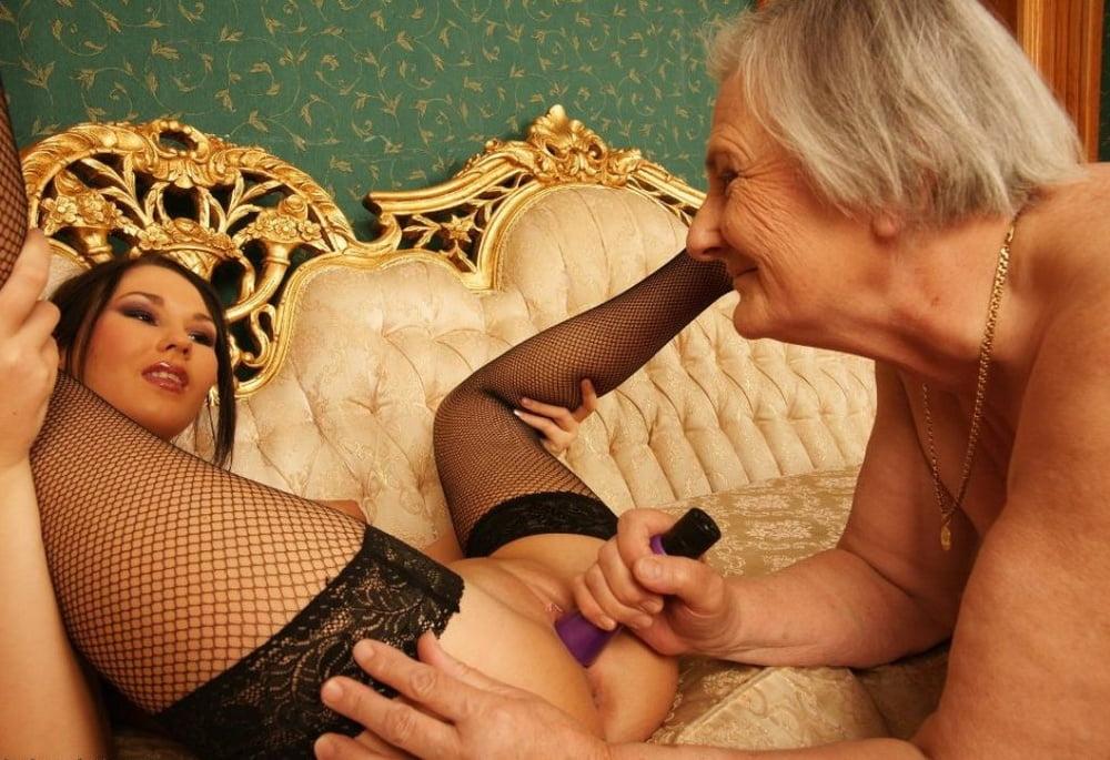 Lesbian maid clips-7007