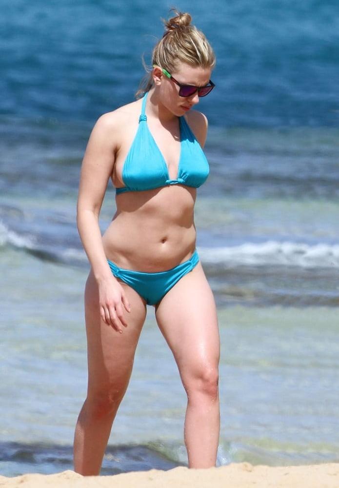 Scarlett johansson bikini photos-8390