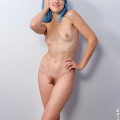 Kira Azul Alternative Music Lover In Nude Casting