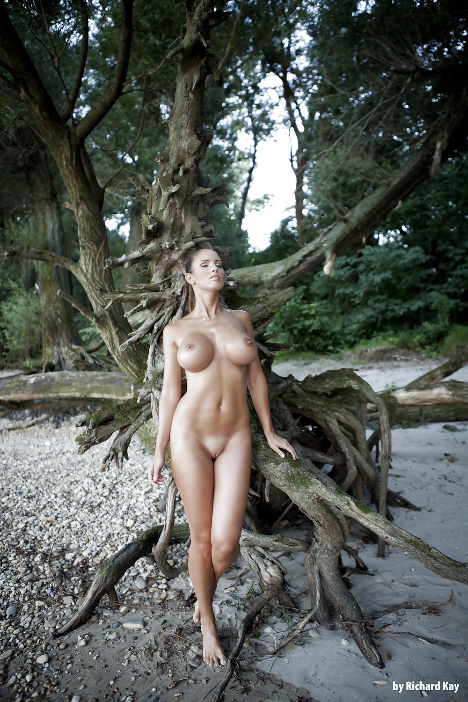 Nude photos lucia nude — pic 2