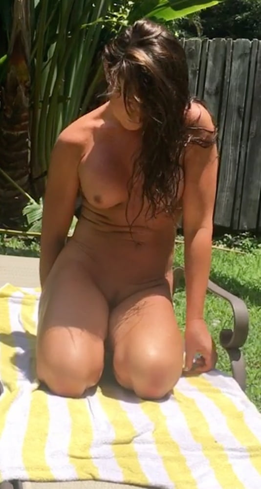 Naked females outside-5934