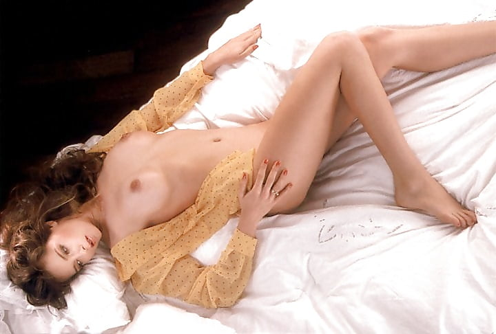 Warm Playmate Bonnie Large Nude Pictorial Pic