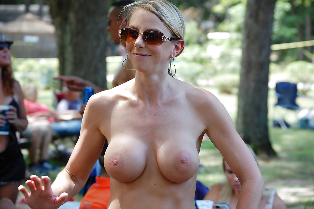 topless-nude-camp-pizza-women-nude